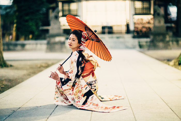 8 signals that a Japanese woman wants you to